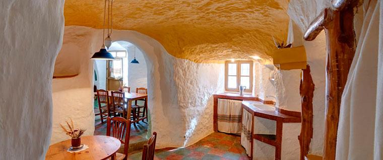 casas-cuevas-andalucia-clickviaja